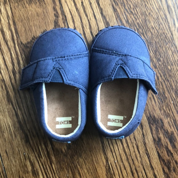 Toms Other - Toms baby shoes size 4